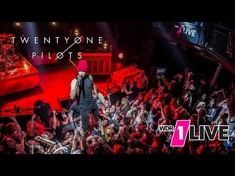 twenty one pilots - Stressed Out (Live at...