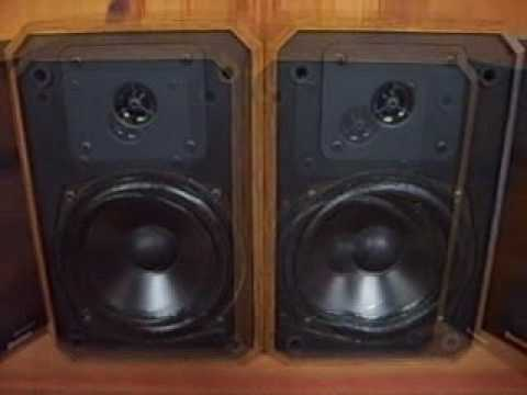 Boston Acoustics HD5 Bookshelf Speakers