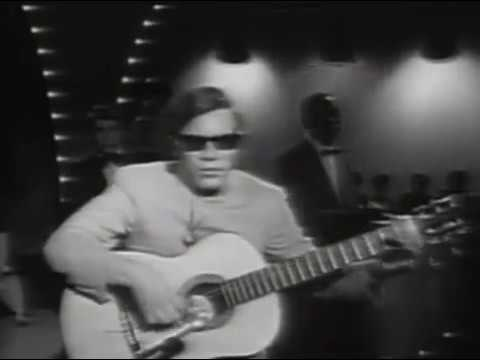 José Felicianomakes his first television appearance in 1962 at age 17.