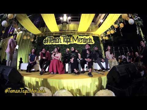 Terharu, Ditto Ayu dan Cast Film #TemanTapiMenikah Meneteskan Air Mata | GALA PREMIERE