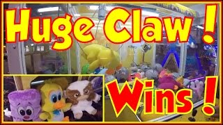 👑 GIANT Claw Machine Wins Winning At The Claw Machine Big Arcade Claw Machines Win Huge Plush Prize