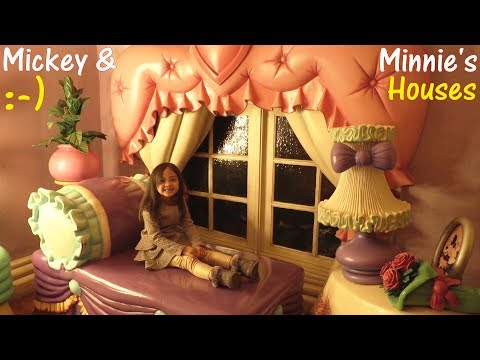 Visiting Mickey Mouse House! Pretty Minnie Mouse House! Christmas Holidays in a Theme Park