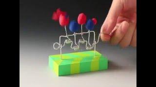 Brinquedo de manivela e arame