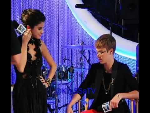 Justin Bieber & Selena Gomez at the 2011 MTV Video Music ...