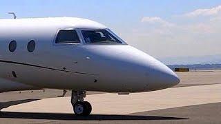 Gulfstream G200 - Engine Start, Taxi and Takeoff