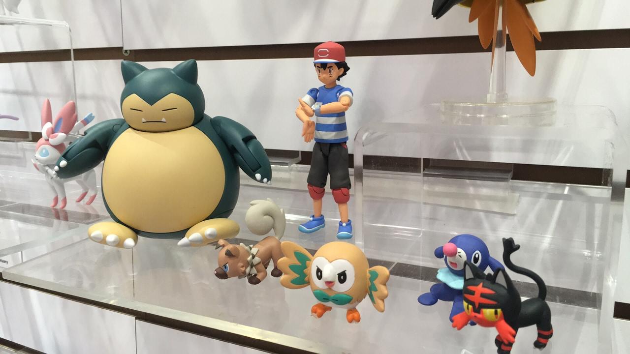 ca4b21eaa1d47c New Pokemon Sun & Moon Action Figures: Toy Fair NY 2017 TOMY Booth Tour