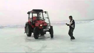 Гонки на тракторах на Ледовом автодроме.mpg