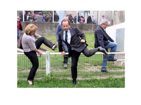 Hollande le ridicule . Tome 2 poster