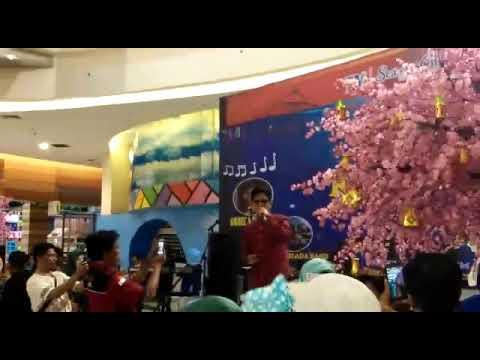 Antara Benci & Rindu   (Obbie Messakh)