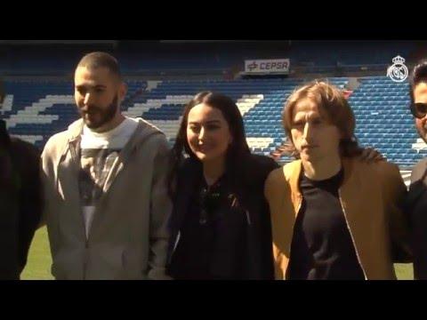 Bale, Benzema and Modric welcome Bollywood stars to the Bernabéu