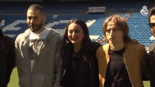 Bale, Benzema and Modric welcome Bollywood stars to the Bernabéu