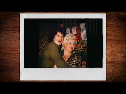 Polaroids van kroegtijgers op de Wallen