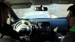 Электромобиль Nissan Leaf тест-драйв Алексей Хабатюк экология, перспективы и солн энергетика(Купить Nissan Leaf http://www.elmob.co/ +38 044 229 47 90 подписывайтесь на новые видео: http://www.youtube.com/user/elektromobili?sub_confirmation=1 ..., 2016-01-09T13:37:02.000Z)