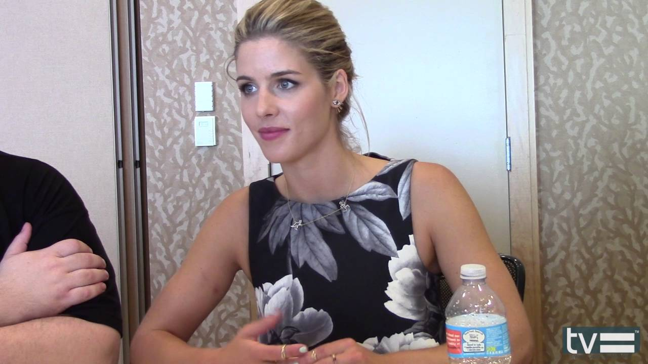 Video Emily Bett Rickards