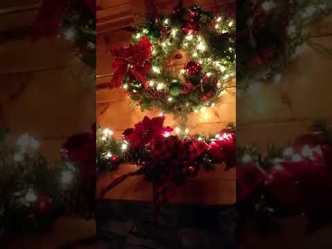christmas at a bears hideaway log cabin rental gatlinburg wwwvrbocom1047385 wwwsmbyocom1197