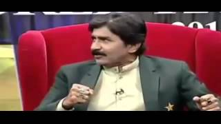 Imran Khan Was there to give motivation and boost Javed Miandad