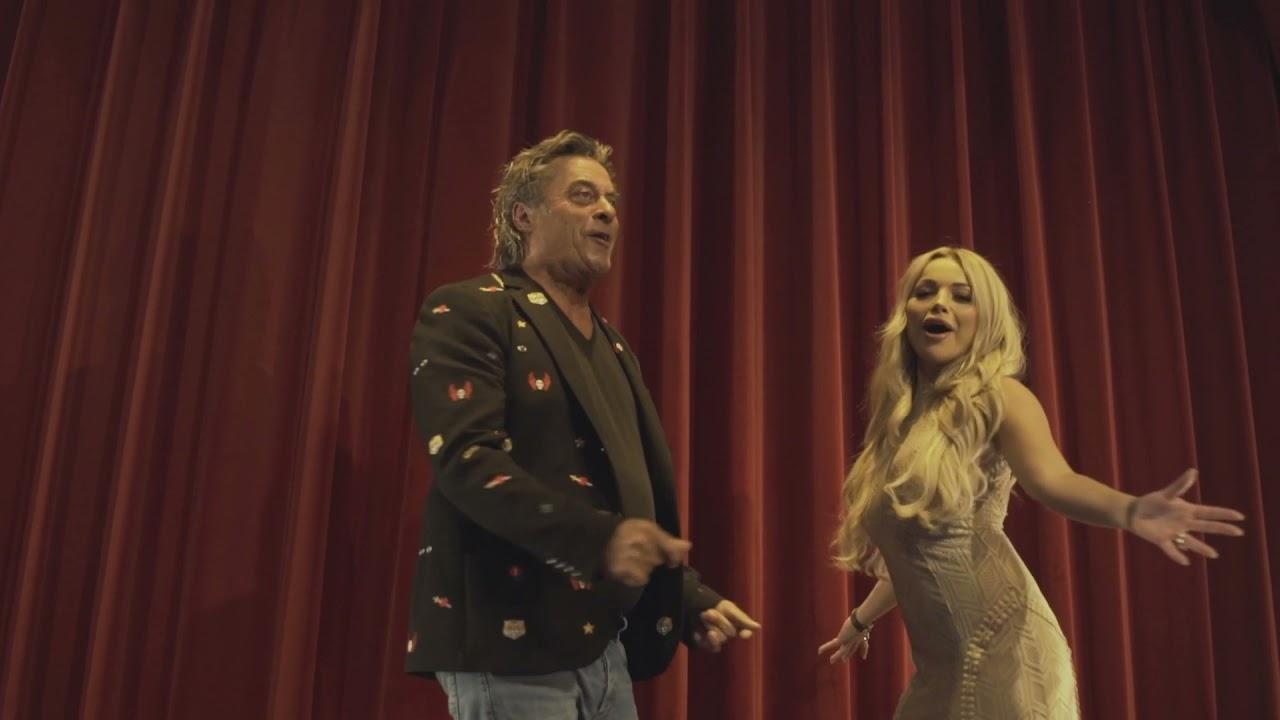 Rob Van Daal & Mira - Hou me even vast (Officiële Videoclip)