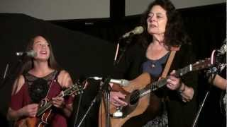The Tuttles with AJ Lee and guest Kathy Kallick - When The Golden Leaves Begin To Fall