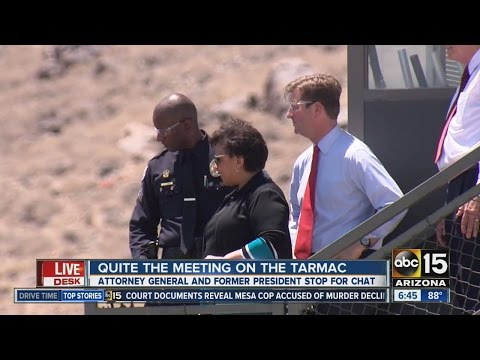 Loretta Lynch and Bill Clinton meet in Phoenix