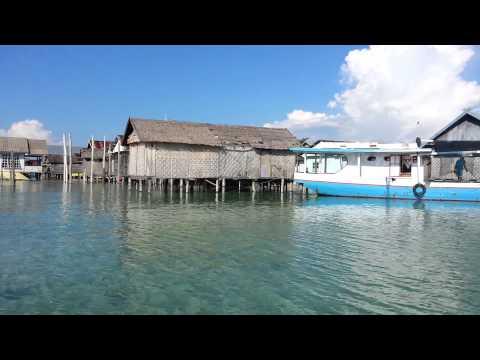 Suku Laut Bajo di Bontu bontu - Kabupaten Muna, Sulawesi Tenggara - Indonesia.