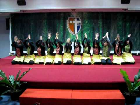 Saman Dance by Magis Indonesia