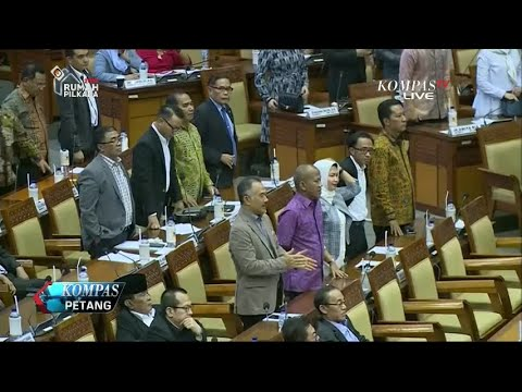 Fadli Zon Ketuk Palu, DPR RI Sahkan Perppu Ormas