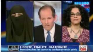 hot aktivis ham kalah debat soal hijab lawan muslimah teks indo tekan tombol translate