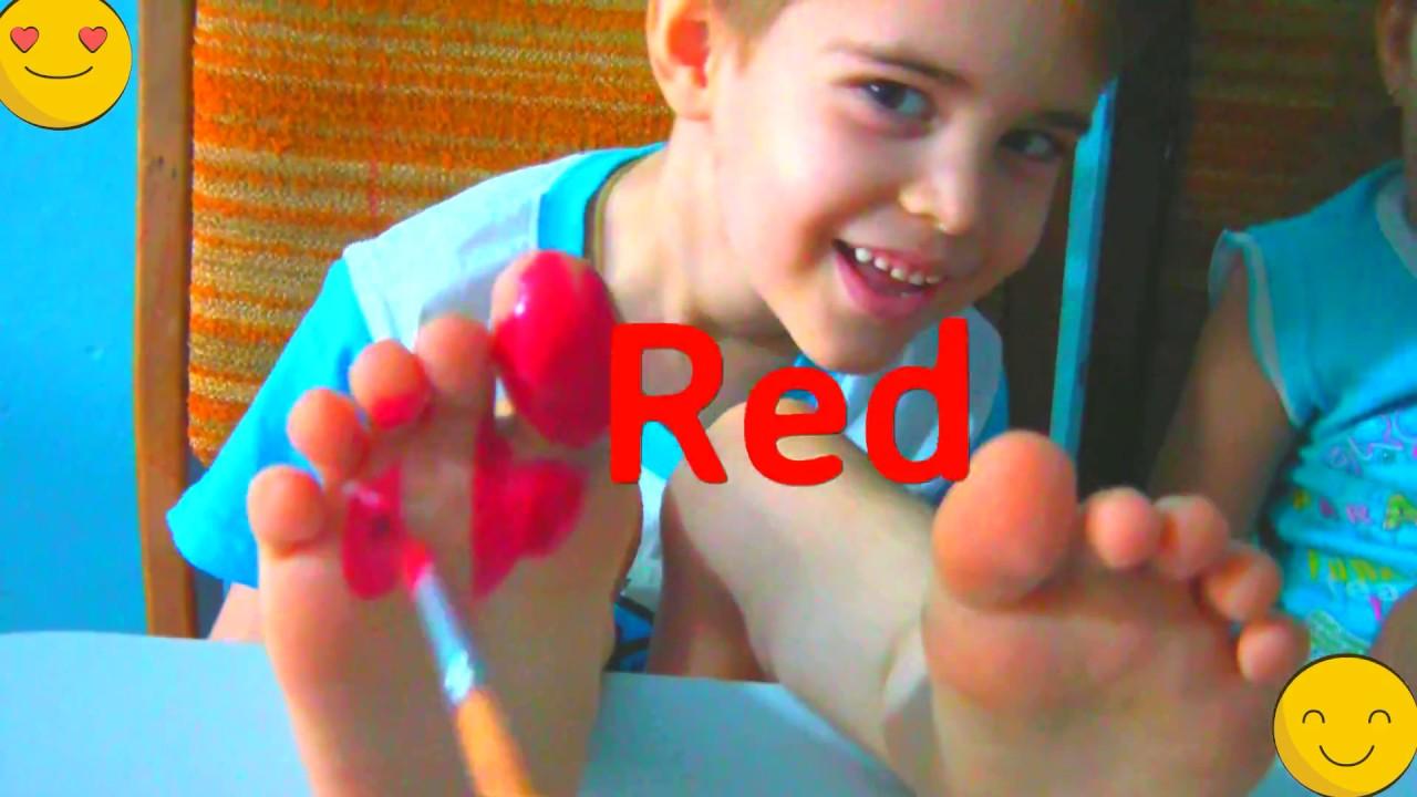 КРАСИМ НОЖКИ КРАСКОЙ Учим цвета на английском языке - YouTube