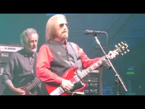 Tom Petty and the Heartbreakers - Mary Jane's Last Dance (Houston 04.29.17) HD