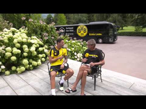 Trainingslager: Mit Roman Bürki im Mannschaftsbus