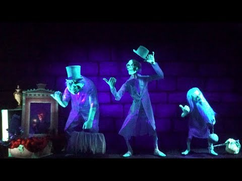 [4K - Extreme Low Light] The Haunted Mansion - Magic Kingdom - Walt Disney World Resort