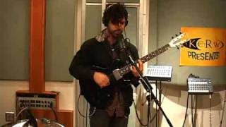 "Baixar Foals performing ""Total Life Forever"" on KCRW"