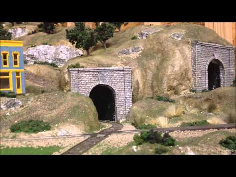 Railfanning my HO Scale Mountain Valley Layout [HD]