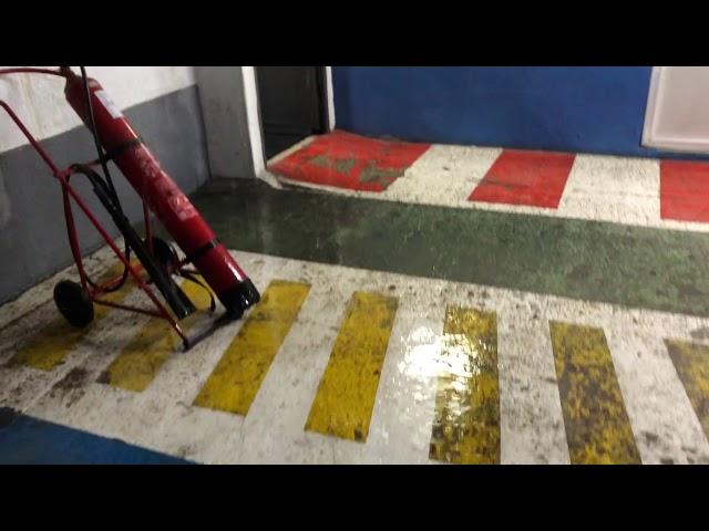 Goteras en el parking de la Gran Vía por la obra en superficie y las lluvias de este sábado