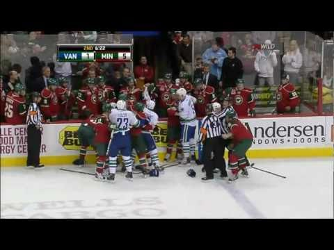 Minnesota drunk fan hits Rick Rypien with a hockey stick in the head