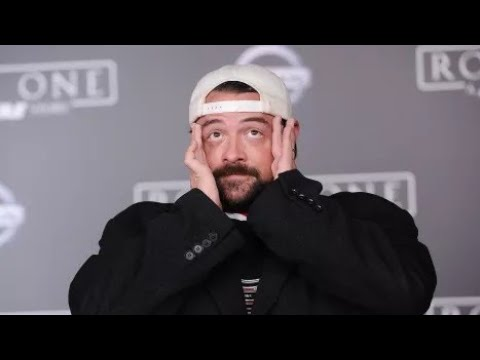KEVIN SMITH CRYING ON THE SET OF EPISODE IX MEANS ABSOLUTELY NOTHING