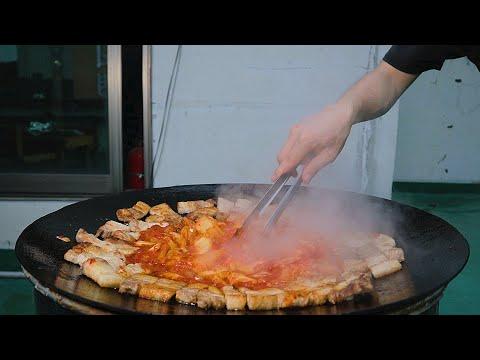 屋上で食べるサムギョプサル&キムチ