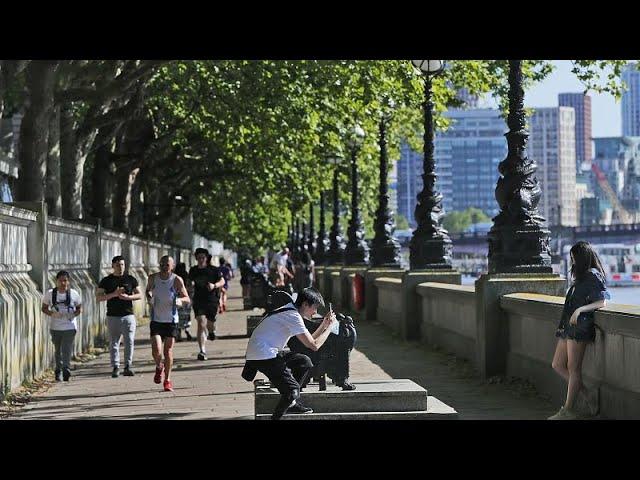 Reino Unido flexibiliza el confinamiento pese a las recomendaciones de los científicos