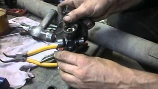 видео Ваз 2107: замена крестовин своими руками - инструкция