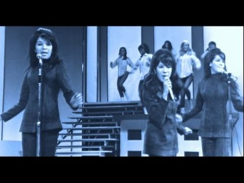 The Ronettes - BE MY BABY - live @ The Moulin Rouge Club