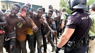 España envía a Marruecos a los 116 migrantes que saltaron la valla de Ceuta