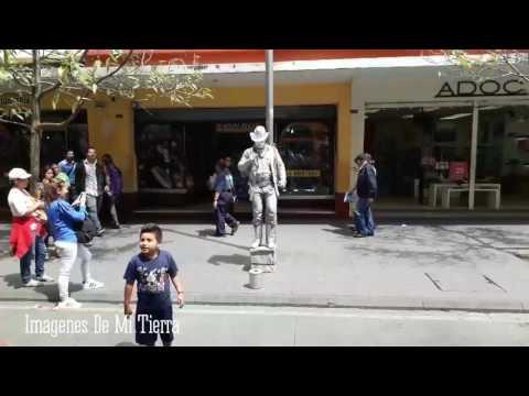 Ciudad de Guatemala paseo la sexta avenida.