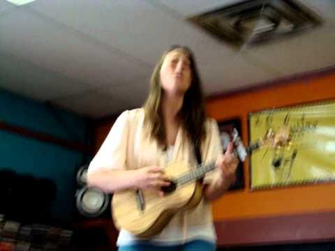 Sara Bareilles singing Beautiful Girl at Record Store Day - Madison