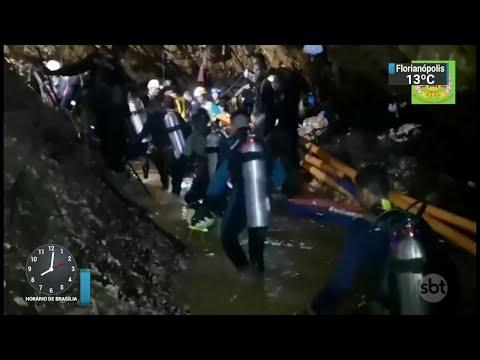 Novas imagens mostram resgate de meninos em caverna na Tailândia | SBT Brasil (11/07/18)