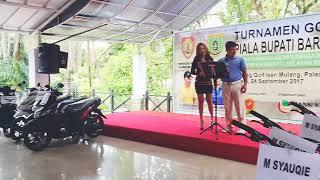 Rya Syakila duet dengan golfers dalam acara turnamen golf di palangkaraya kalimantan tengah