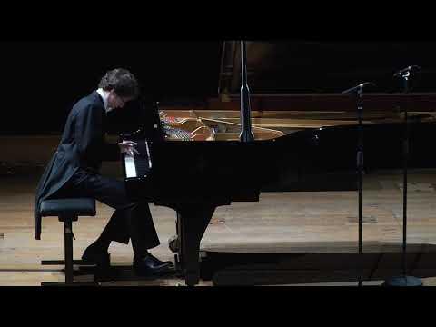 Mozart - Sonata No. 8 in a minor, K. 310 (Rafał Blechacz)