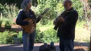 Mary Tulin and Mike Saunders - Drummond Castle on bouzouki
