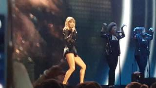 Taylor Swift - Style (Live in Houston | 4.2.17)