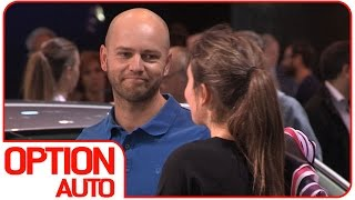 Défi Mondial de l'Auto : draguer les hôtesses du salon (Option Auto)