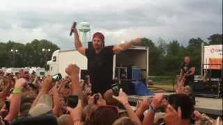 """Kip Moore """"Somethin 'Bout a Truck"""" Live"""